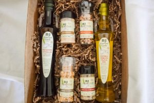 Large Gift Box with two bottles and four spices